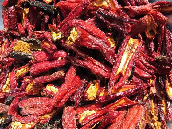 Chipotle (Smoked & dried peppers, ready for chipotle)