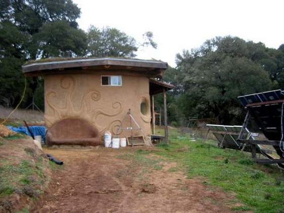 Outbuilding with Cob Bench