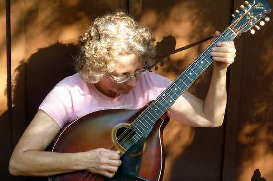 Rhonda plays the mandocello