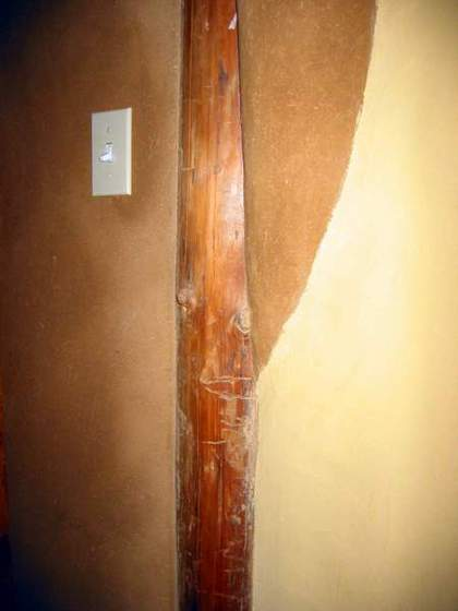 Round Pole with Slipstraw(Pole construction with natural plaster)